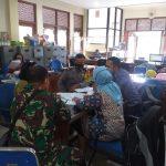 Babinsa, Bhabinkamtibmas dan Lurah Kemlayan Bahas PPKM  Berbasis Mikro di Wilayah
