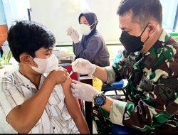Tim Vaksinasi Lanud Adi Soemarmo  Konsisten Berikan Layanan Vaksin Untuk Masyarakat