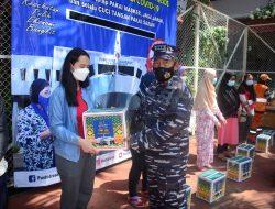 Sambut HUT ke-76, TNI AL Gelar Vaksinasi Massal COVID-19 dan Pembagian Sembako di Pademangan Jakarta Utara